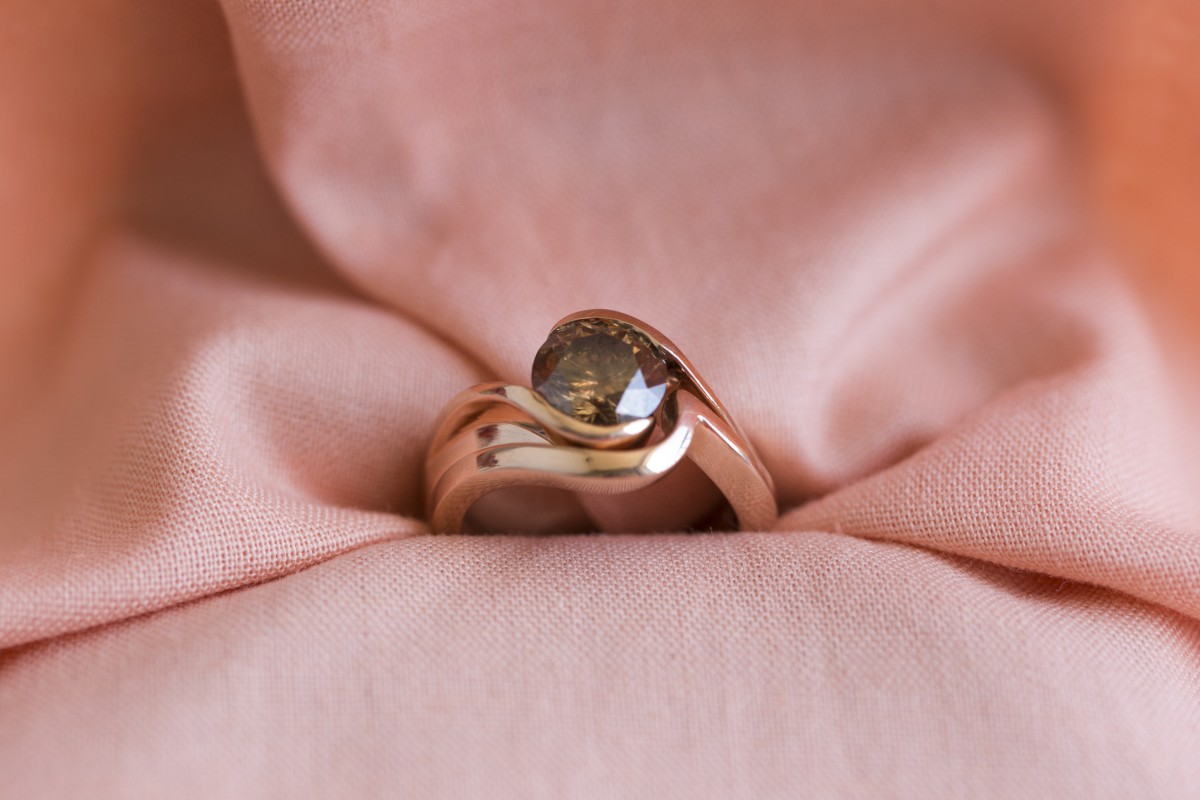 1.57 Carat Round Engagement set in Rose Gold 18 K GLA SI2