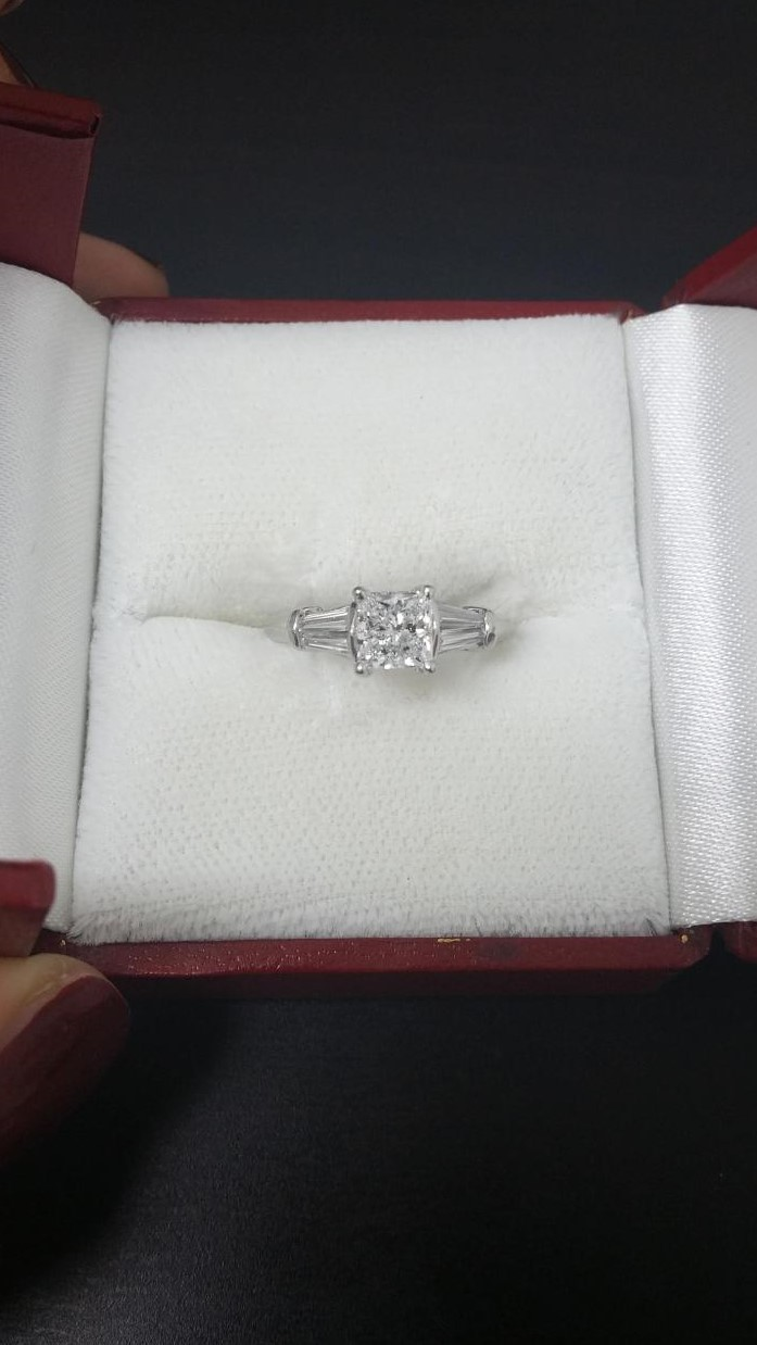 Gorgeous GIA certified princess cut diamond ring  D-VVS2