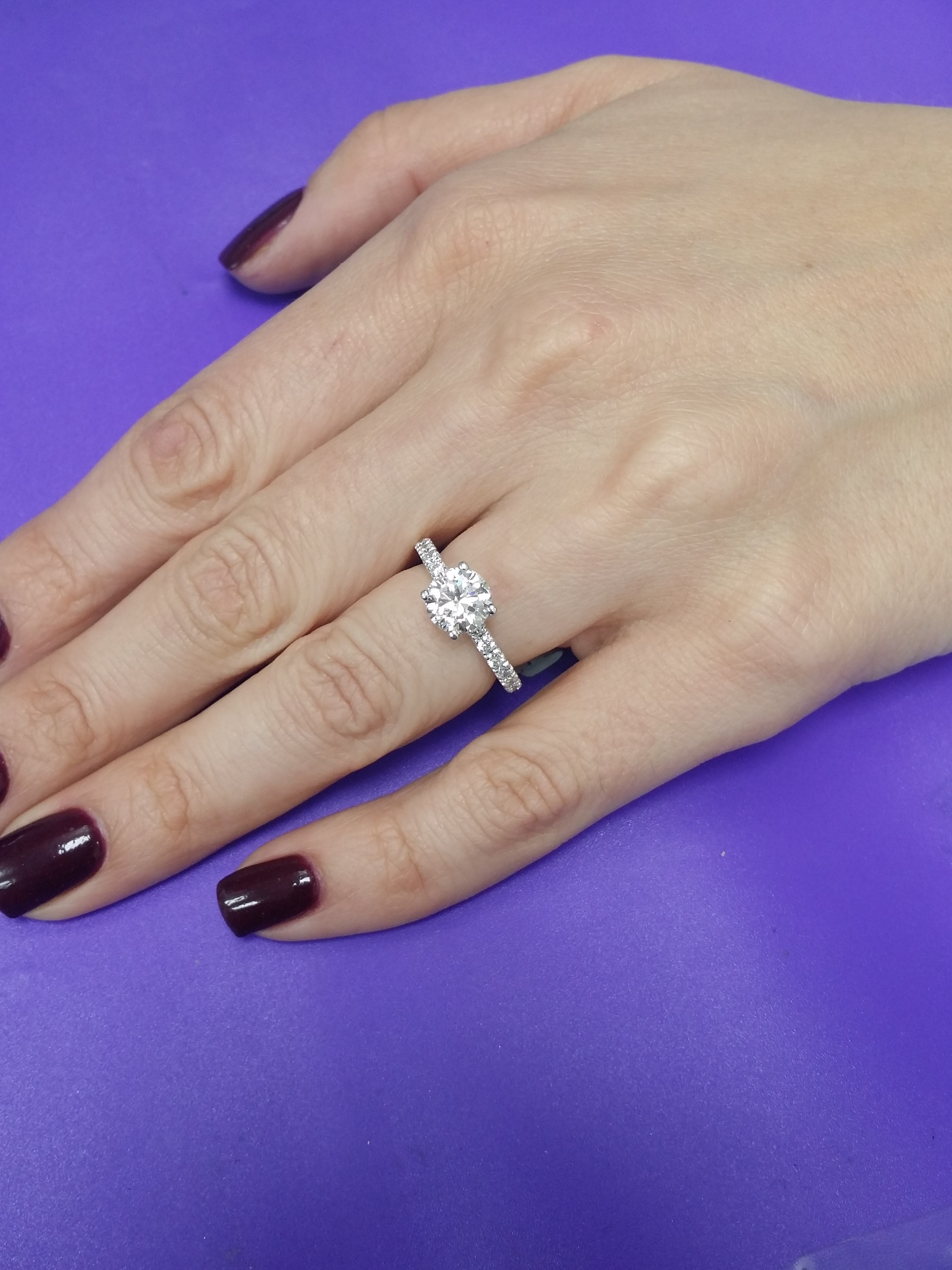 Dazzling  diamond ring with  1.82carats