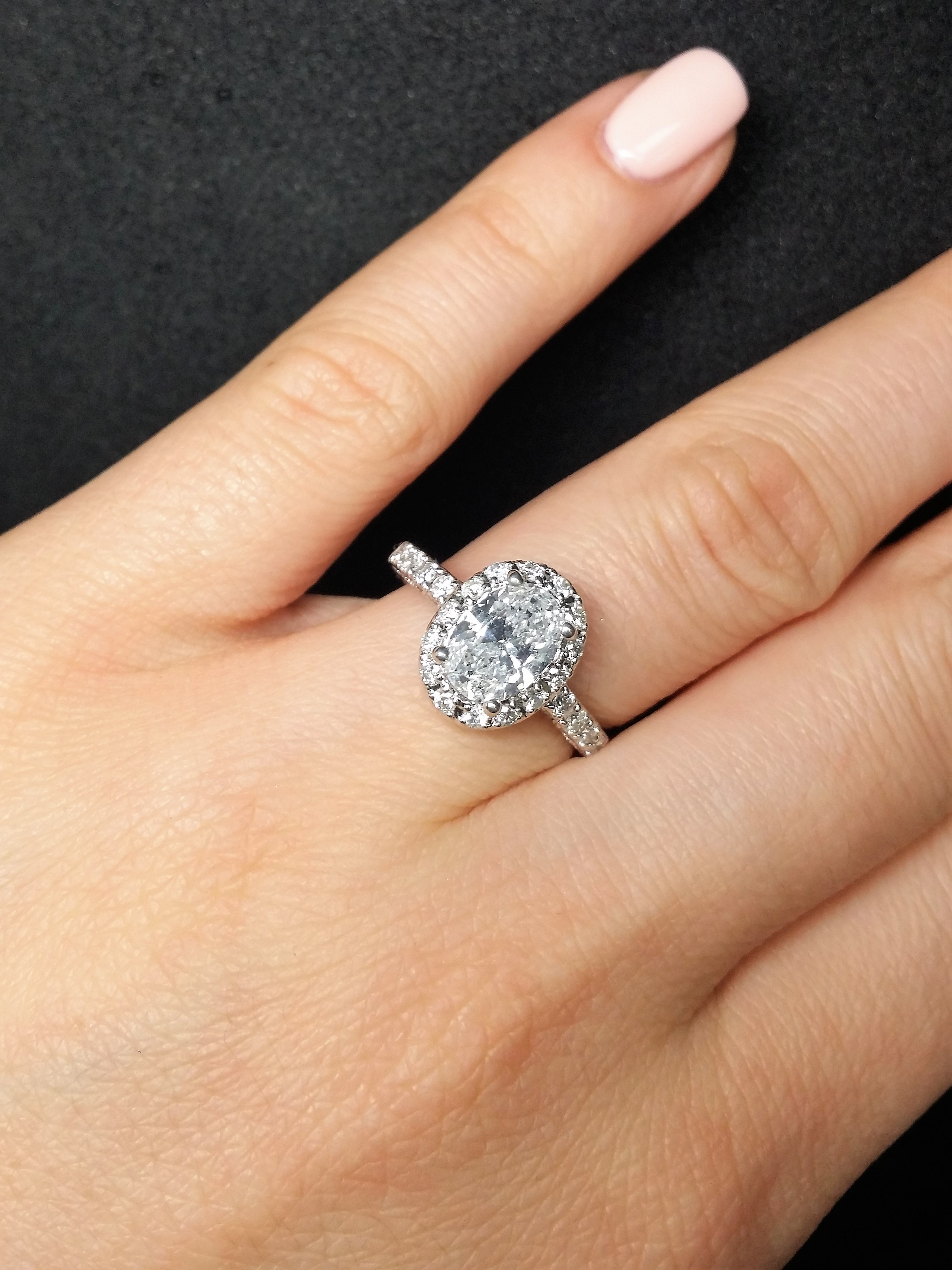Sparkling and elegant 1.24ct halo engagement diamond ring 2.04tcw