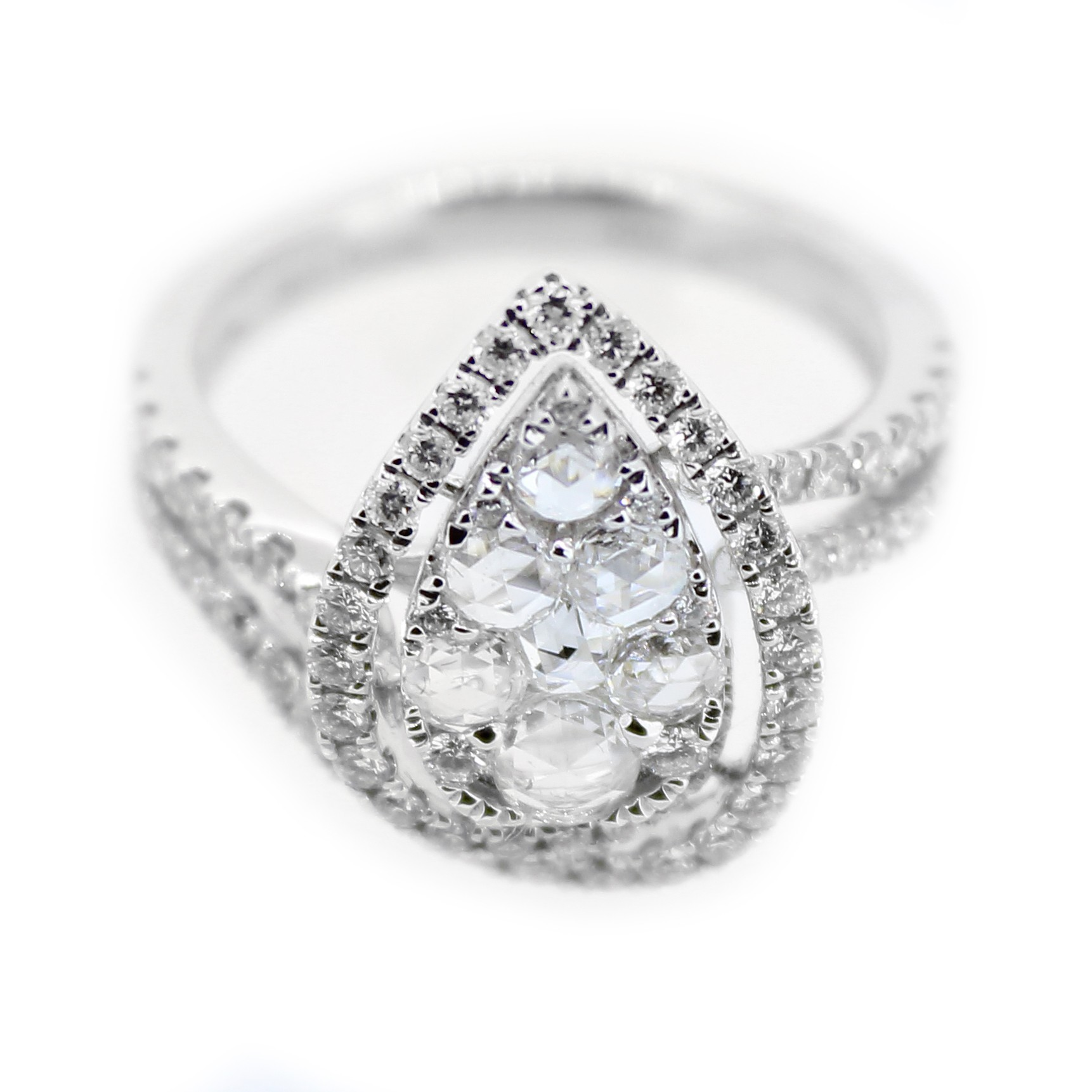 Pear shape diamond ring G VS2