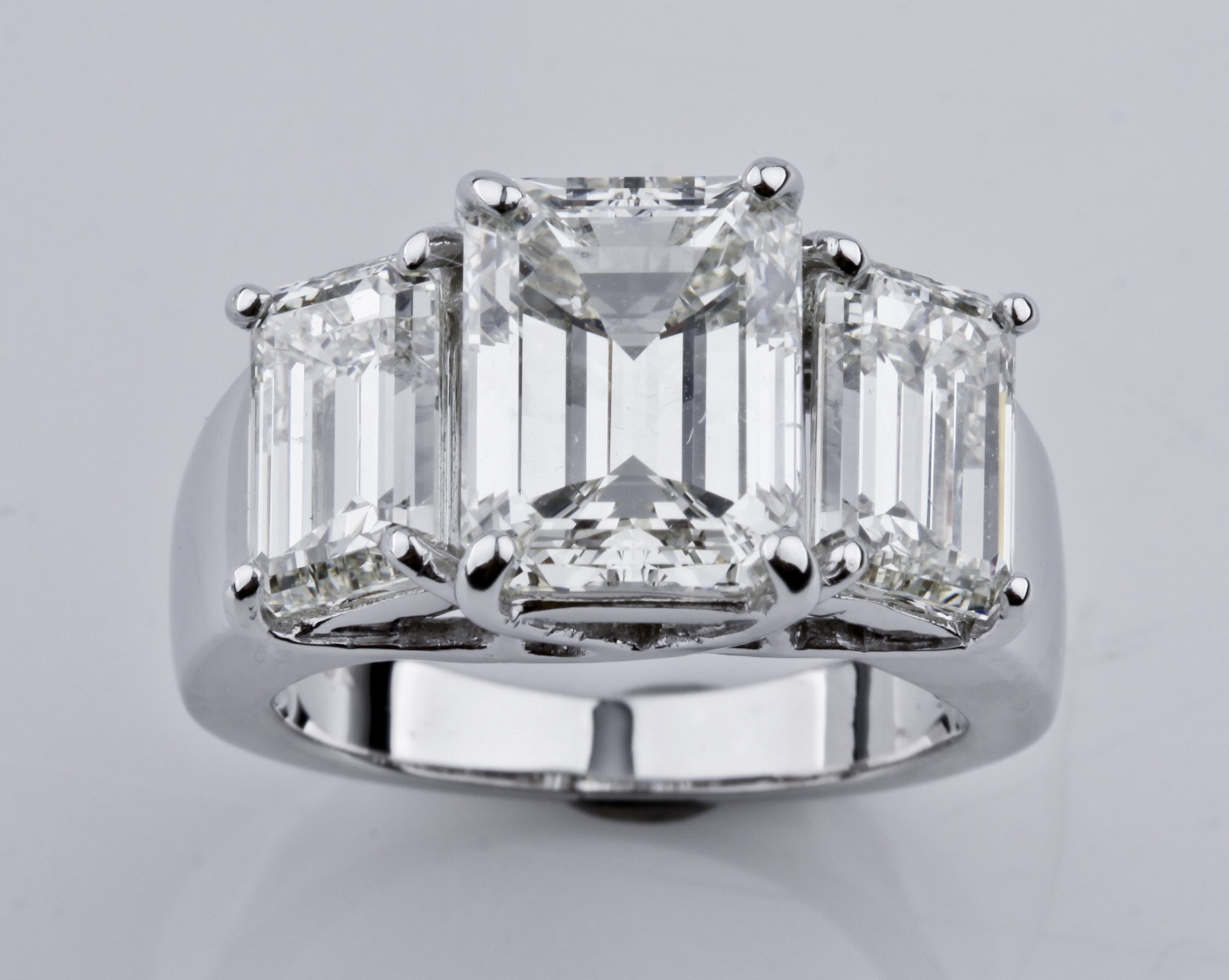 18k White Gold 4.17ct carat Emerald-Cut 3-Stone Diamond Engagement Ring 7.66tcw