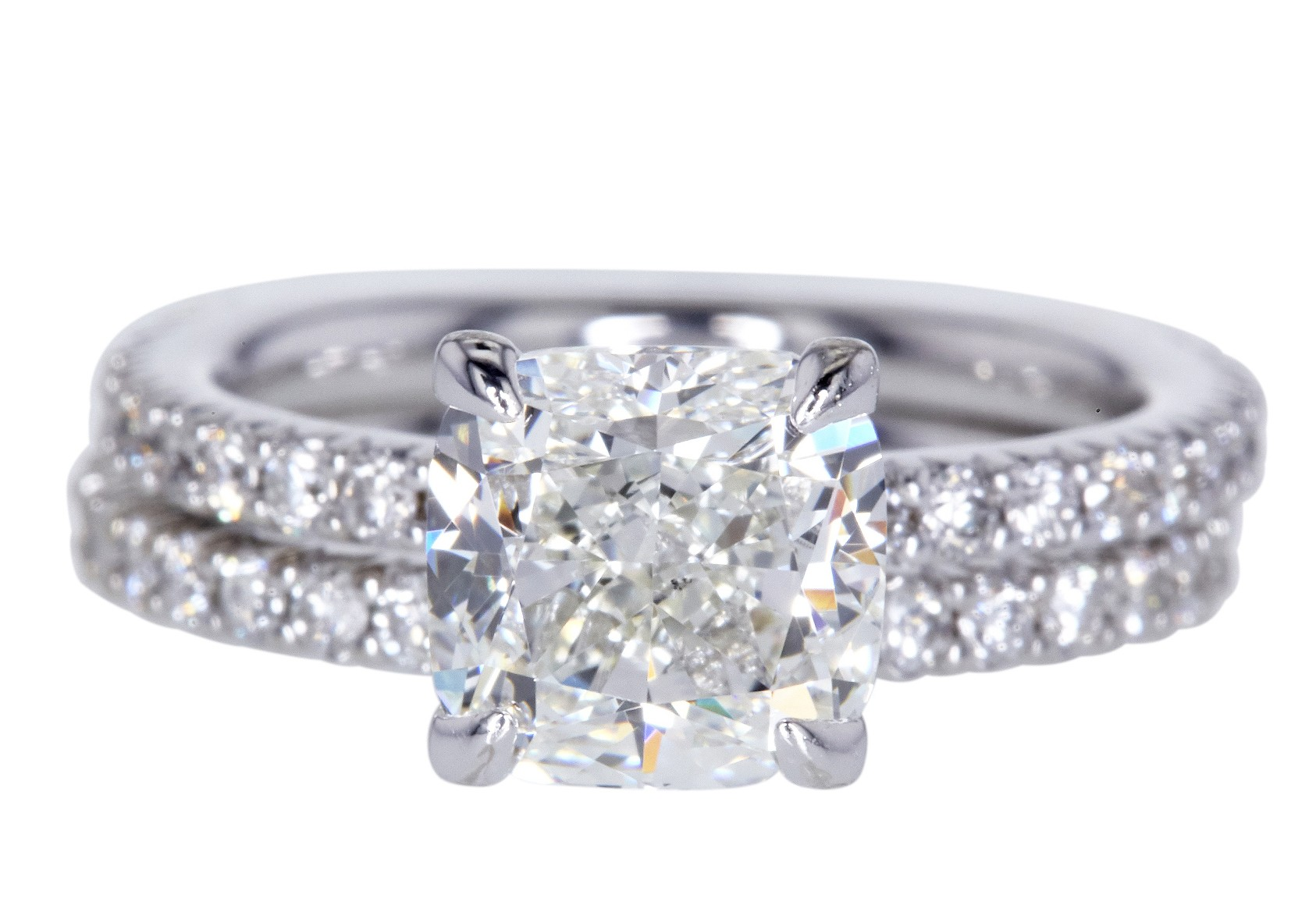 2.01 ct Cushion Bridal Set GIA J SI1