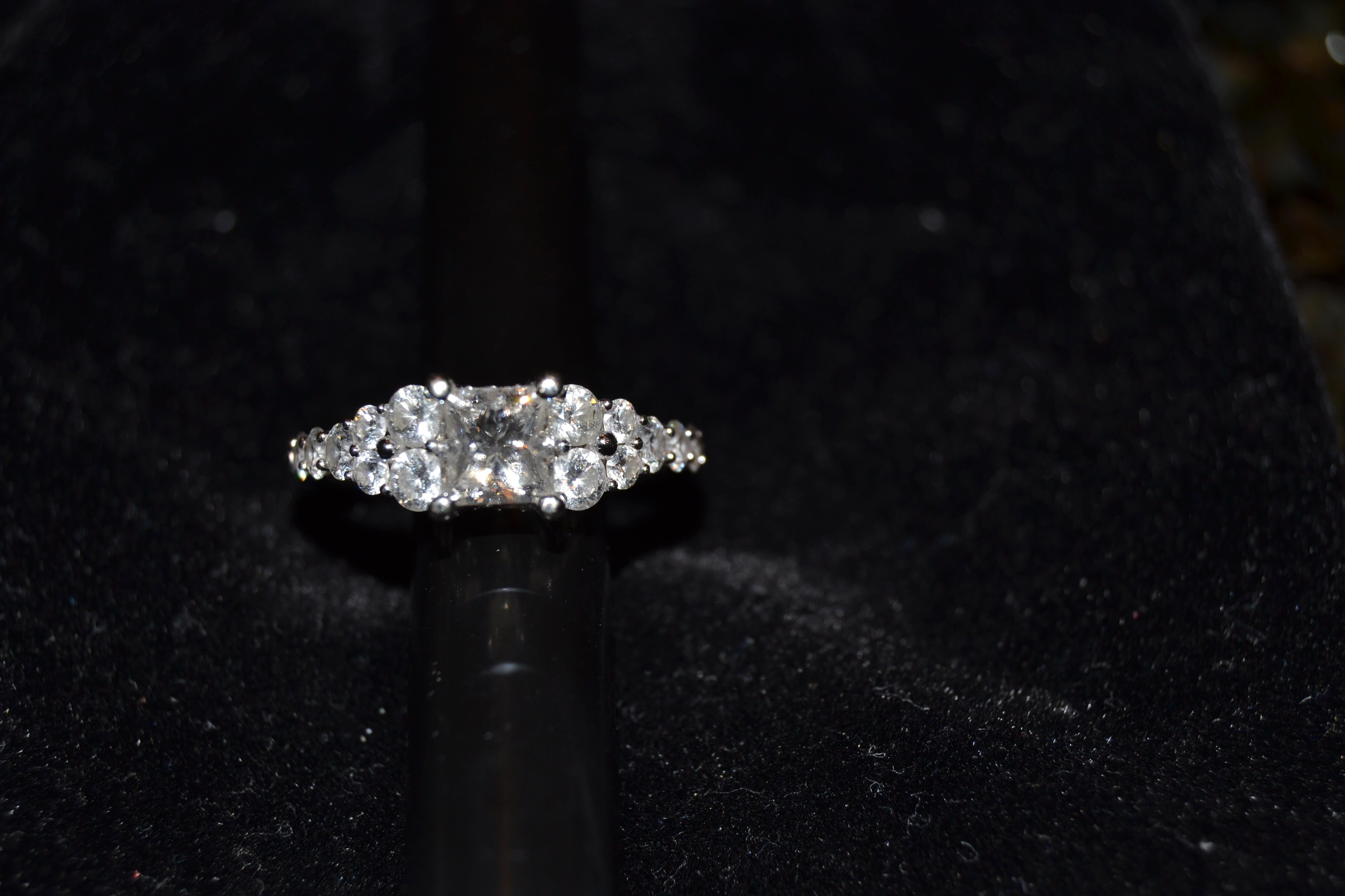1.96ct engagement ring, Princess & graduated round diamonds G/VS1 GIA