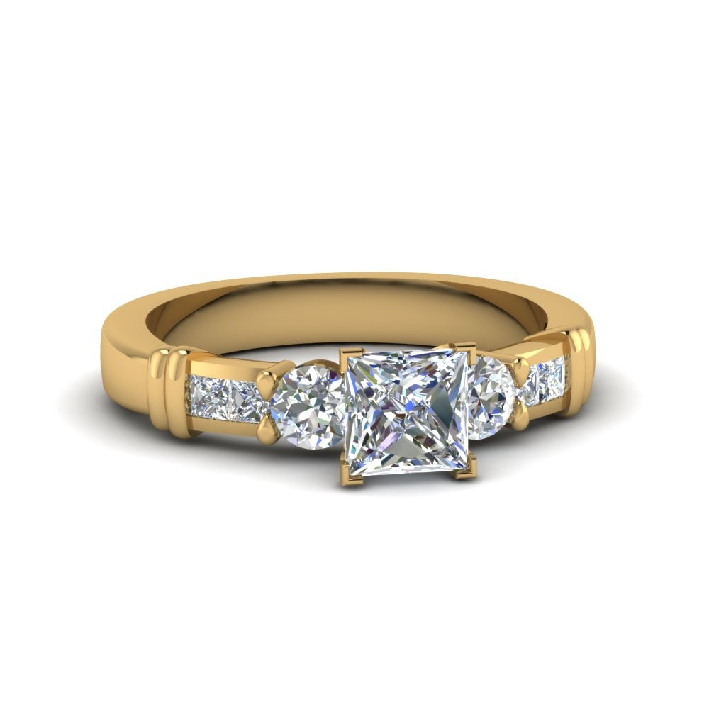 Classic 0.60ct Princess Cut Bar Design Diamond Ring 14k yellow Gold 1.25tcw