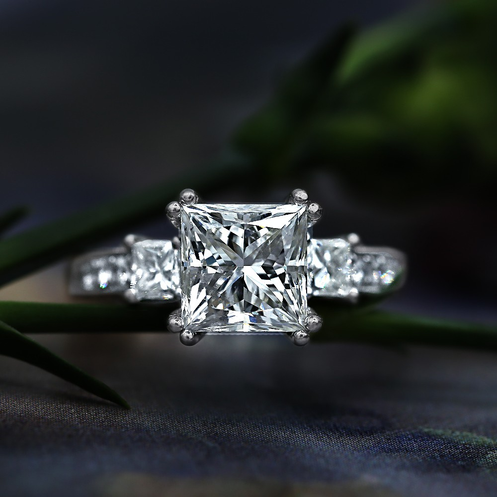 18k White Gold Engagement Ring With Center Diamond 3.14ct Princess Cut