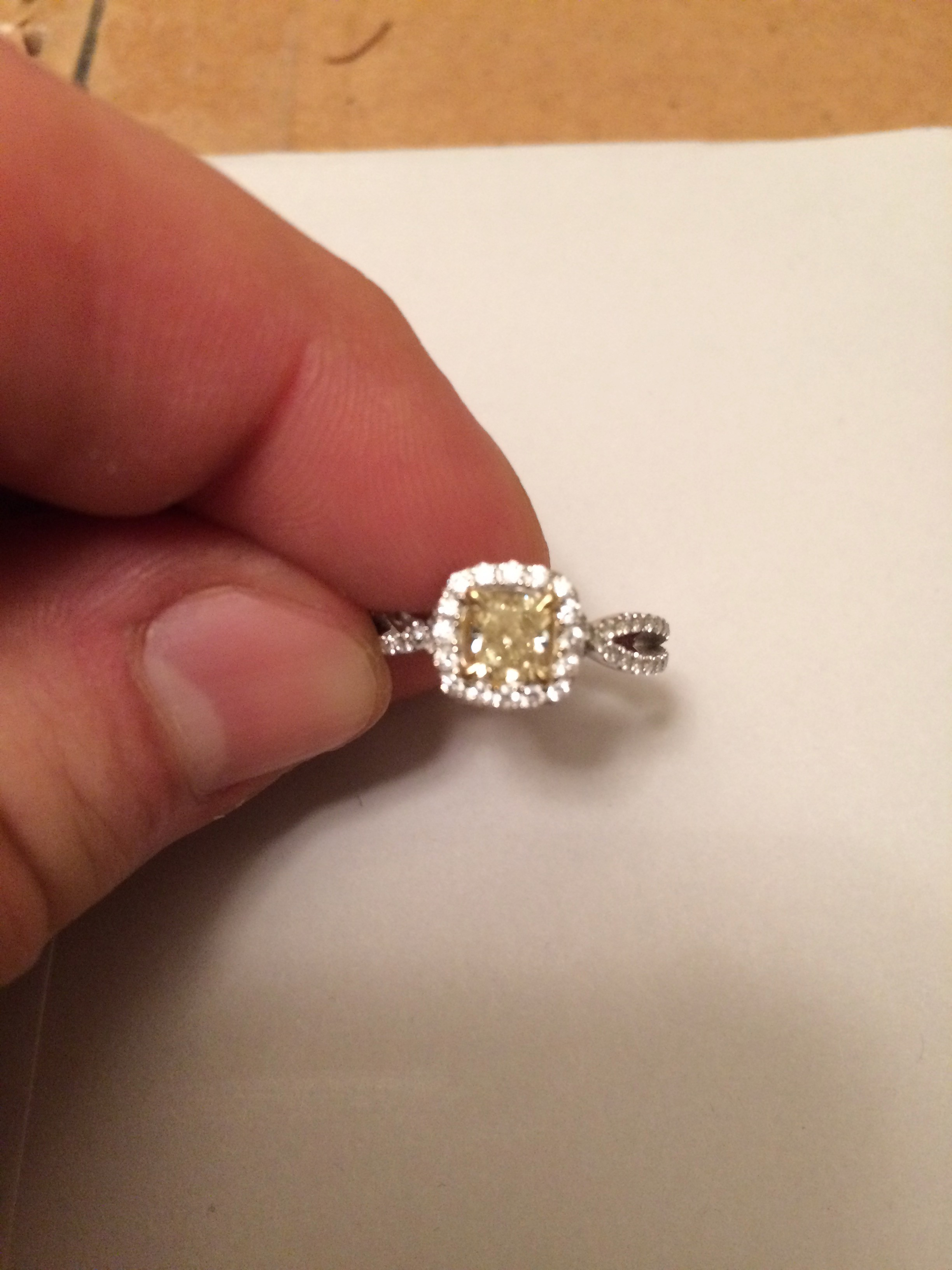 Yellow Diamond (0.51 carats) + 78 clear diamonds (0.5 carats, total)