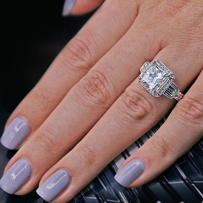 ENGAGEMENT RING WITH 6.45 CT OF TOTAL DIAMOND WEIGHT! VIDEO!