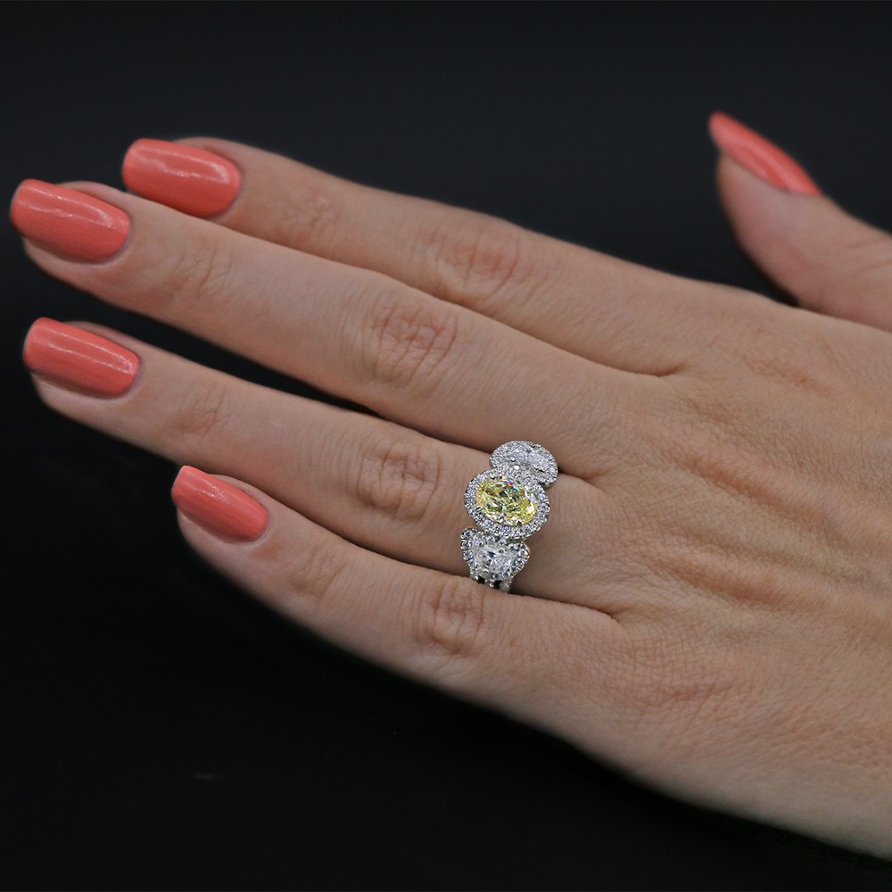Video! Cocktail Ring with 2.50 ct of Total Diamond Weight
