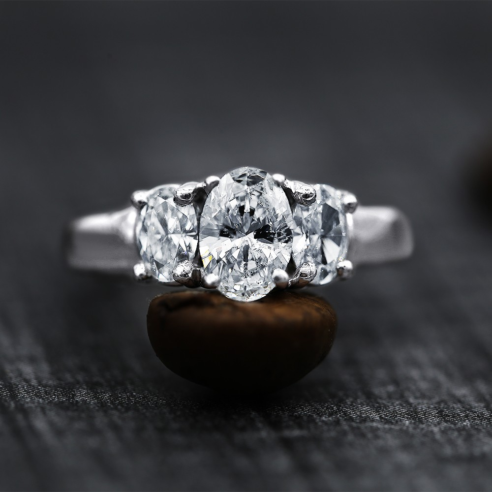 14k White Gold Engagement Ring with 1.65 ct of Total Diamond Weight