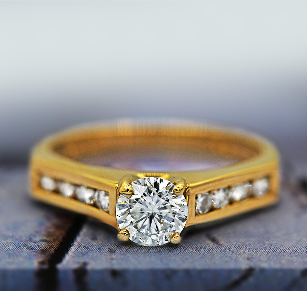 14k Yellow Gold Classic Engagement Ring with Center 0.68ct Rd Diamond