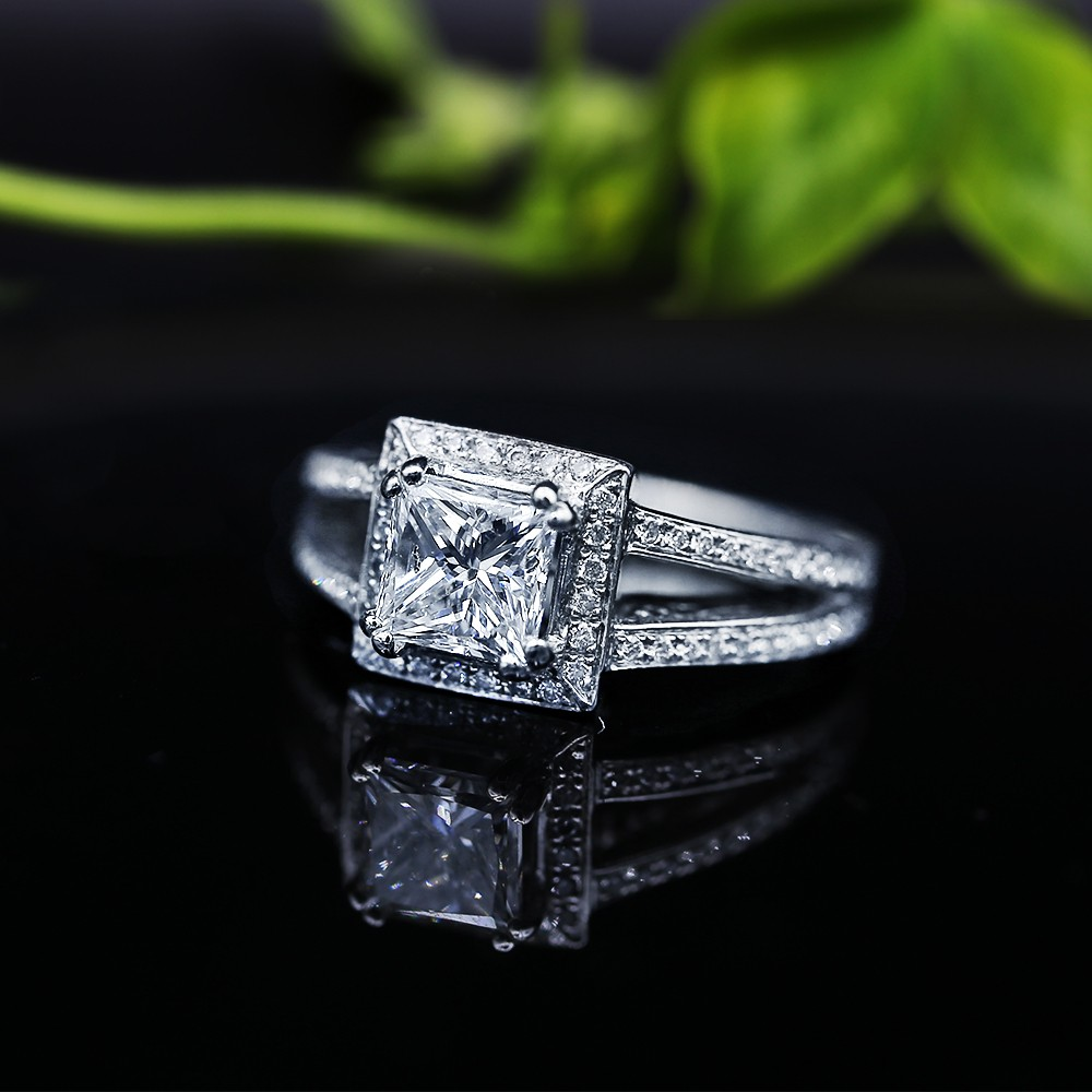 Extraordinary Engagement Ring with center 1.16ct Princess Cut Diamond