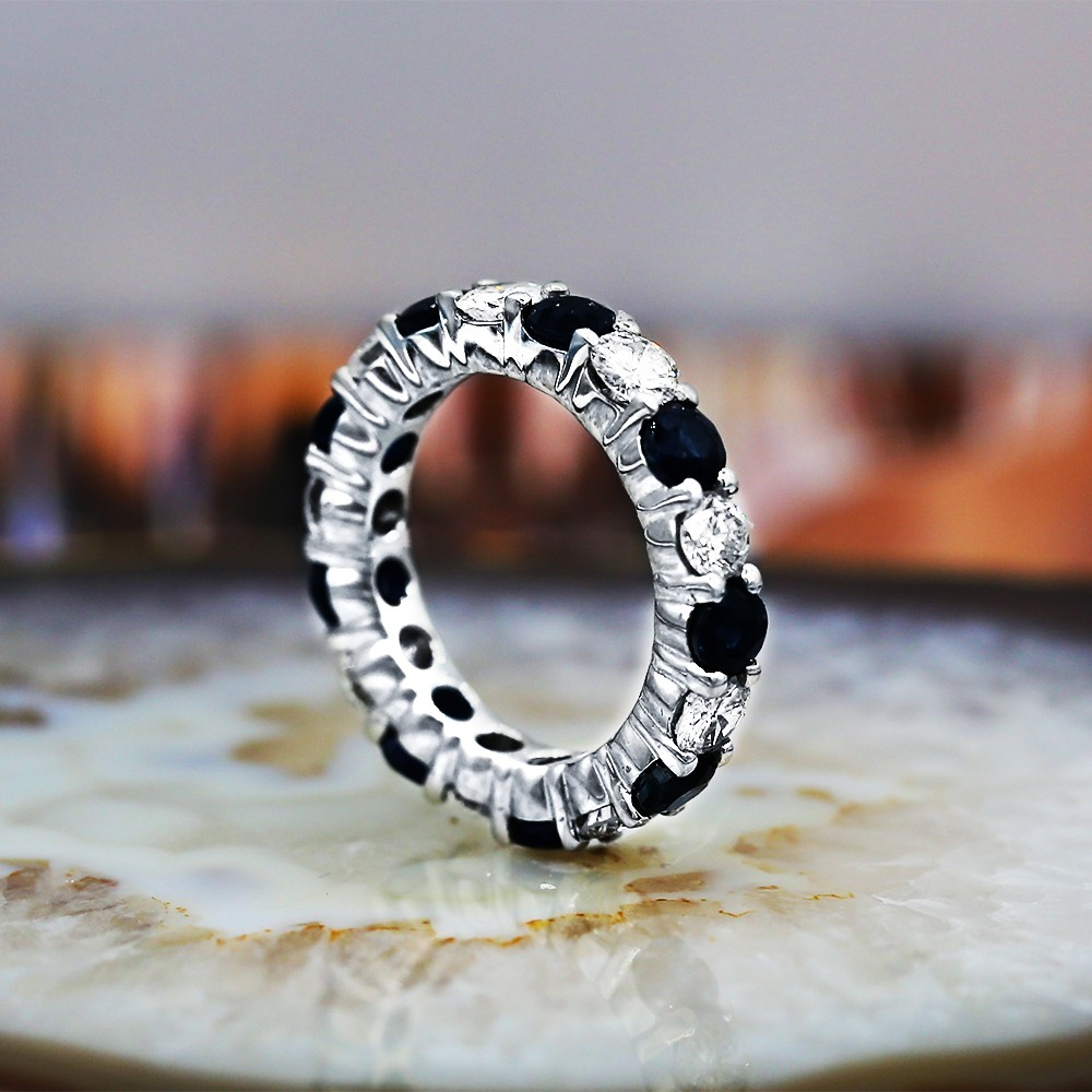 Eternity band with 1.79ct of Round Diamonds and 2.92ct of Blue Sapphir