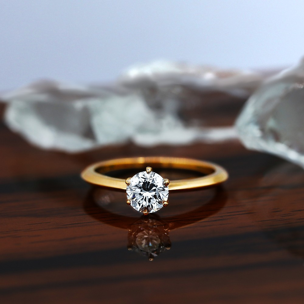 Certified engagement ring with Center Round cut Diamond