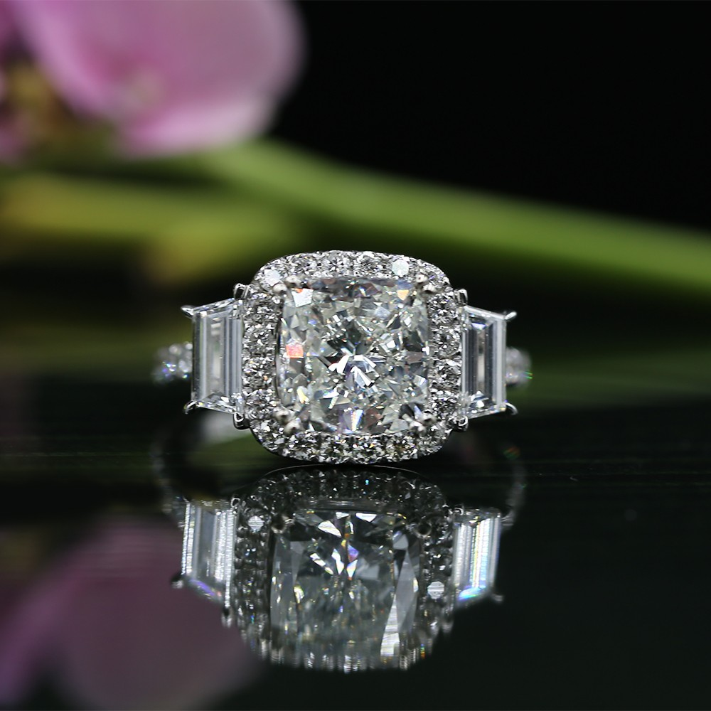 ENGAGEMENT RING WITH CENTER 2.53CT CUSHION CUT DIAMOND AND SIDE DIAMON