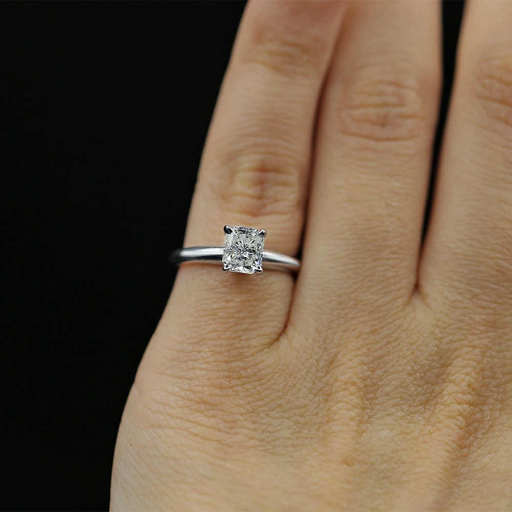 White Gold Engagement Ring with Solitaire 1.00ct Cushion Cut