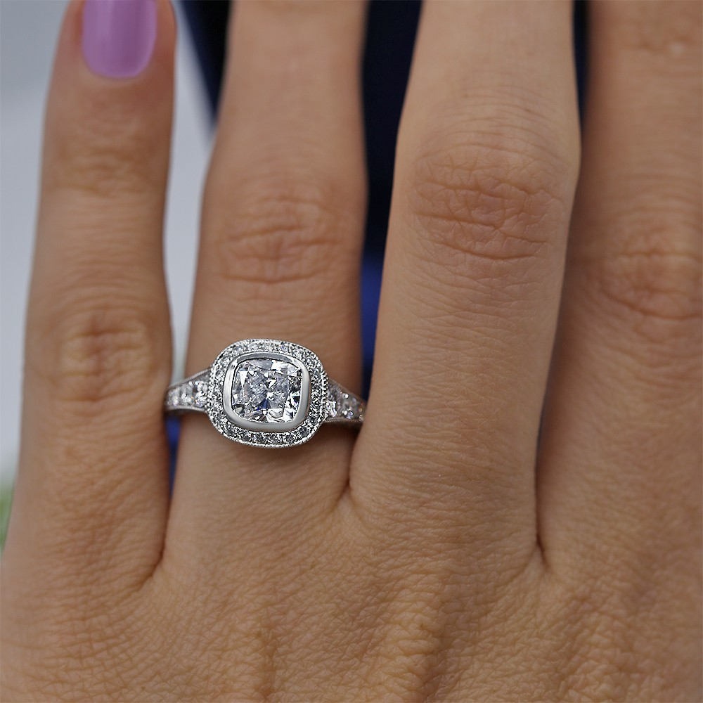 Certified Platinum Engagement ring with Center 1.52ct Cushion cut
