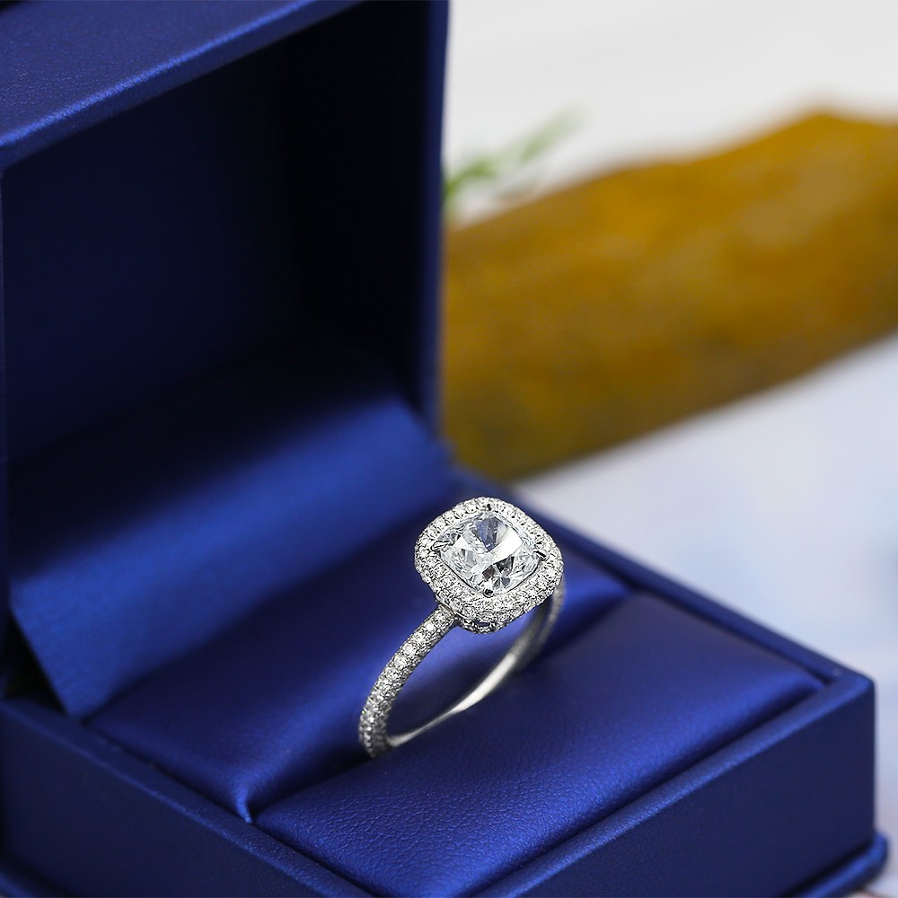 Beautiful Platinum Engagement Ring with center 2.02ct Cushion Cut