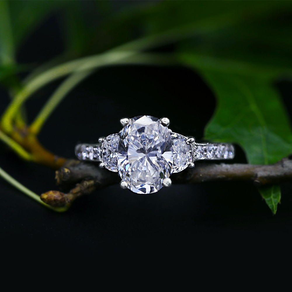 Gorgeous Engagement Ring with 3.34 ct of Total Diamond Weight