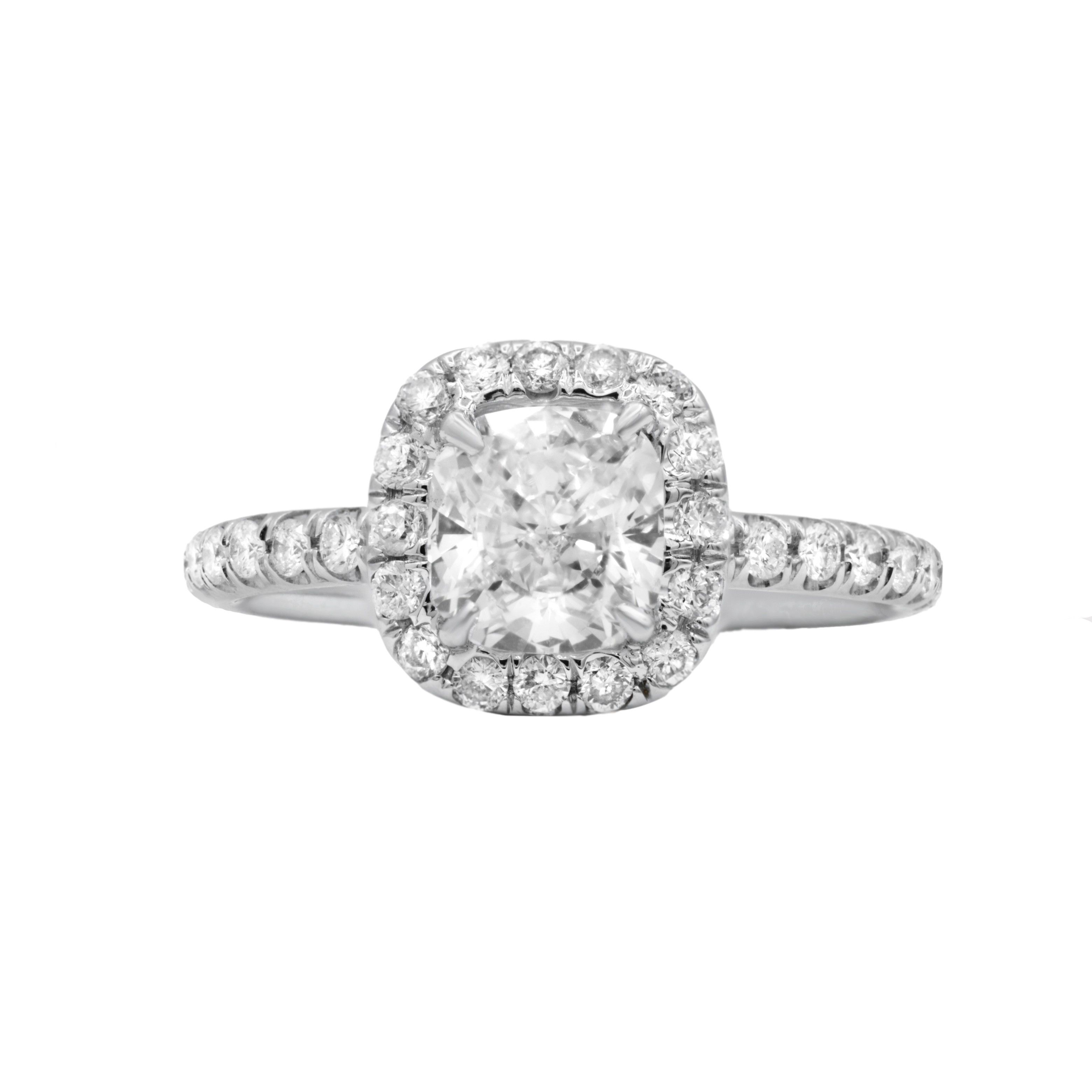 Custom made GIA certified cushion cut DSI1 diamond ring