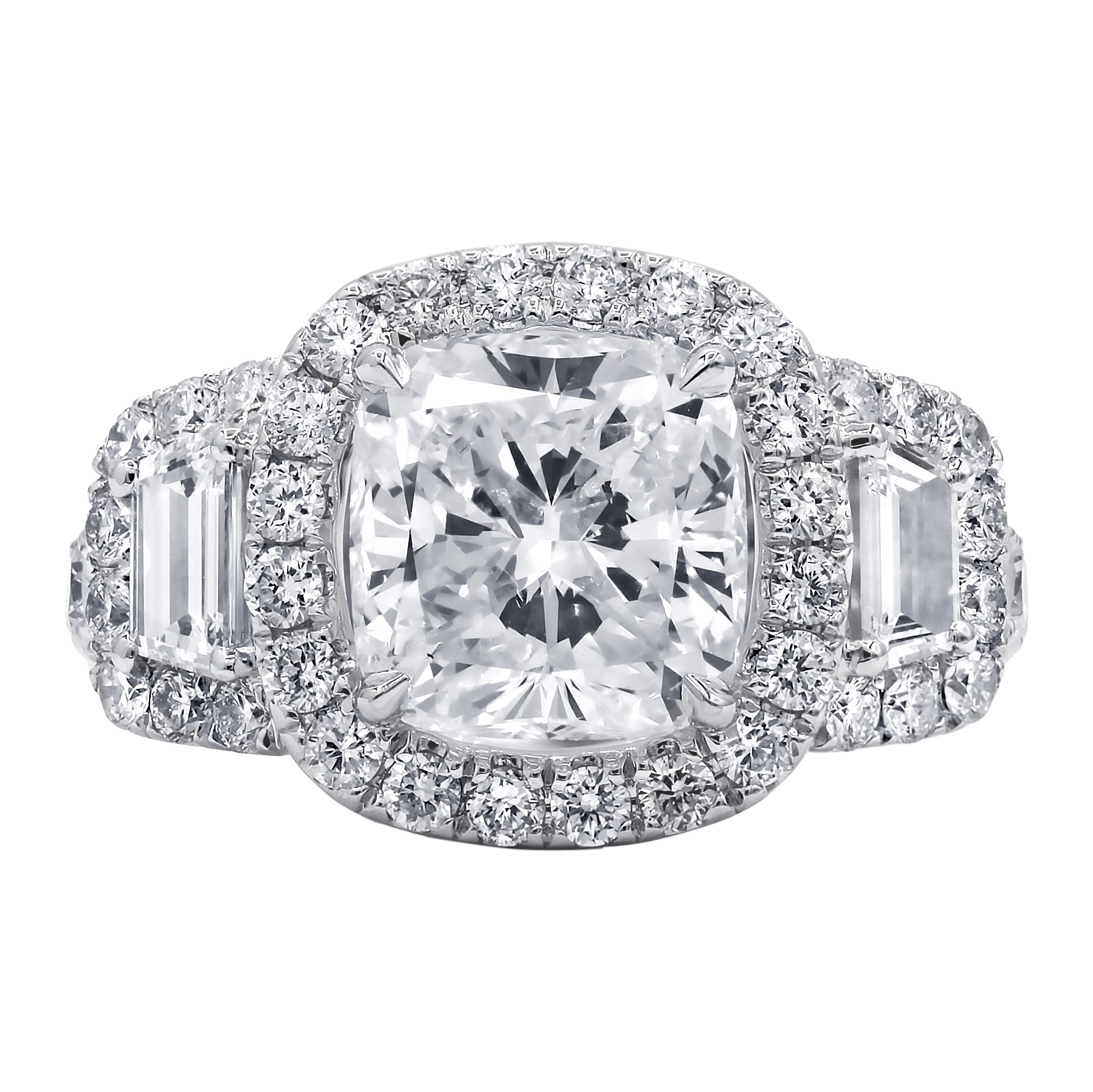 Incredibly beautiful 4.72 TCW diamond engagement ring,GIA CERTIFIED.