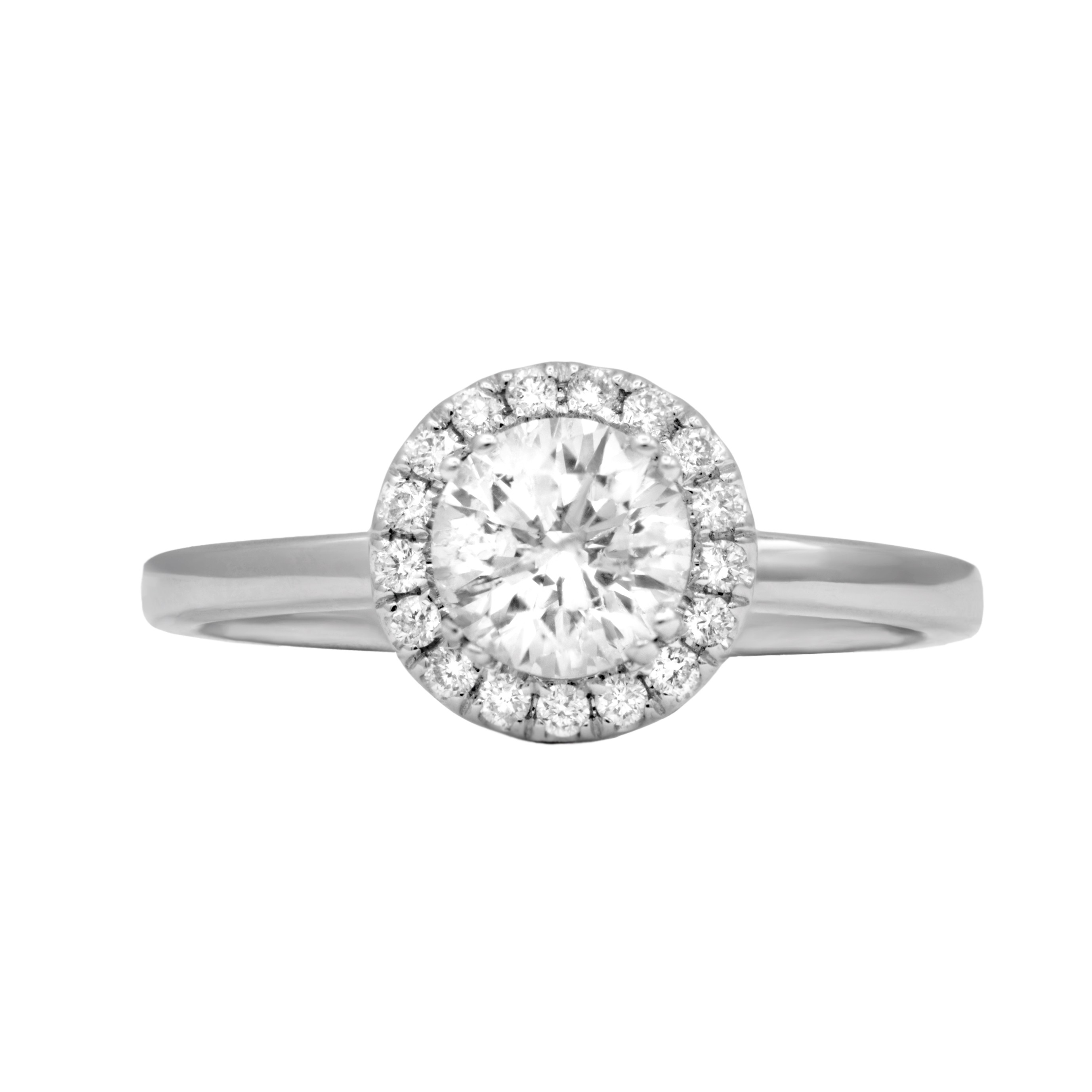 Gorgeous 1.40cts halo diamond engagement  ring