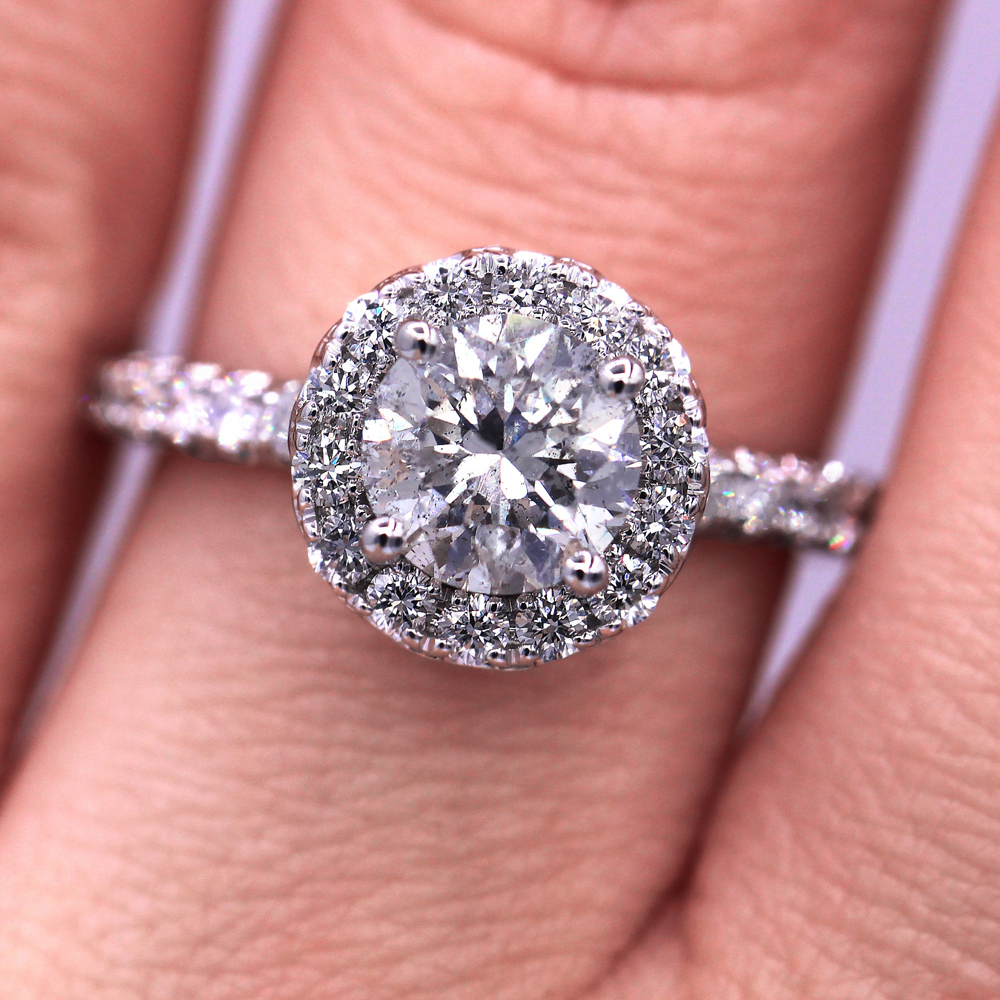 Dream diamond engagement ring with 1.84 cts round diamonds