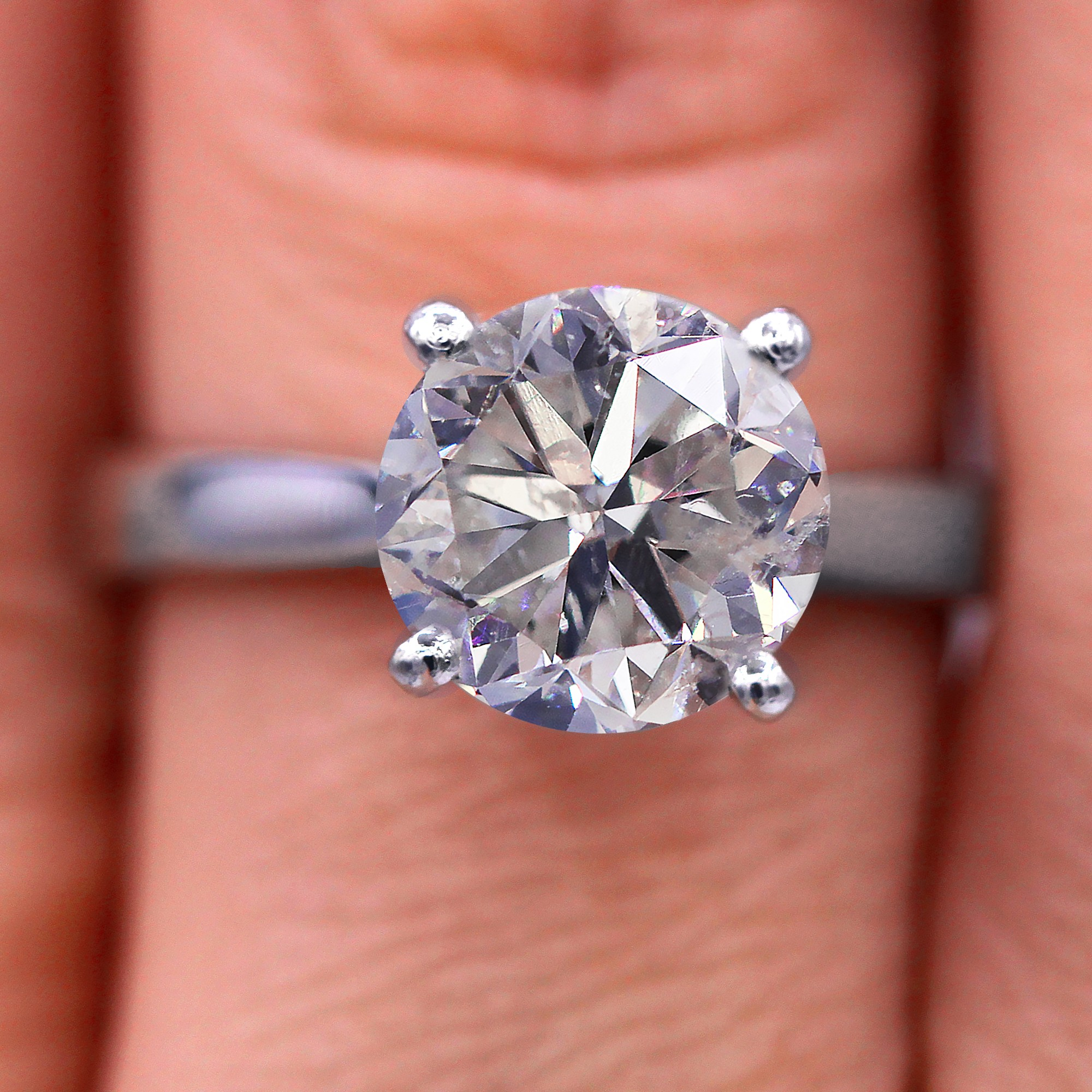 Classic 2.20cts solitaire diamond ring