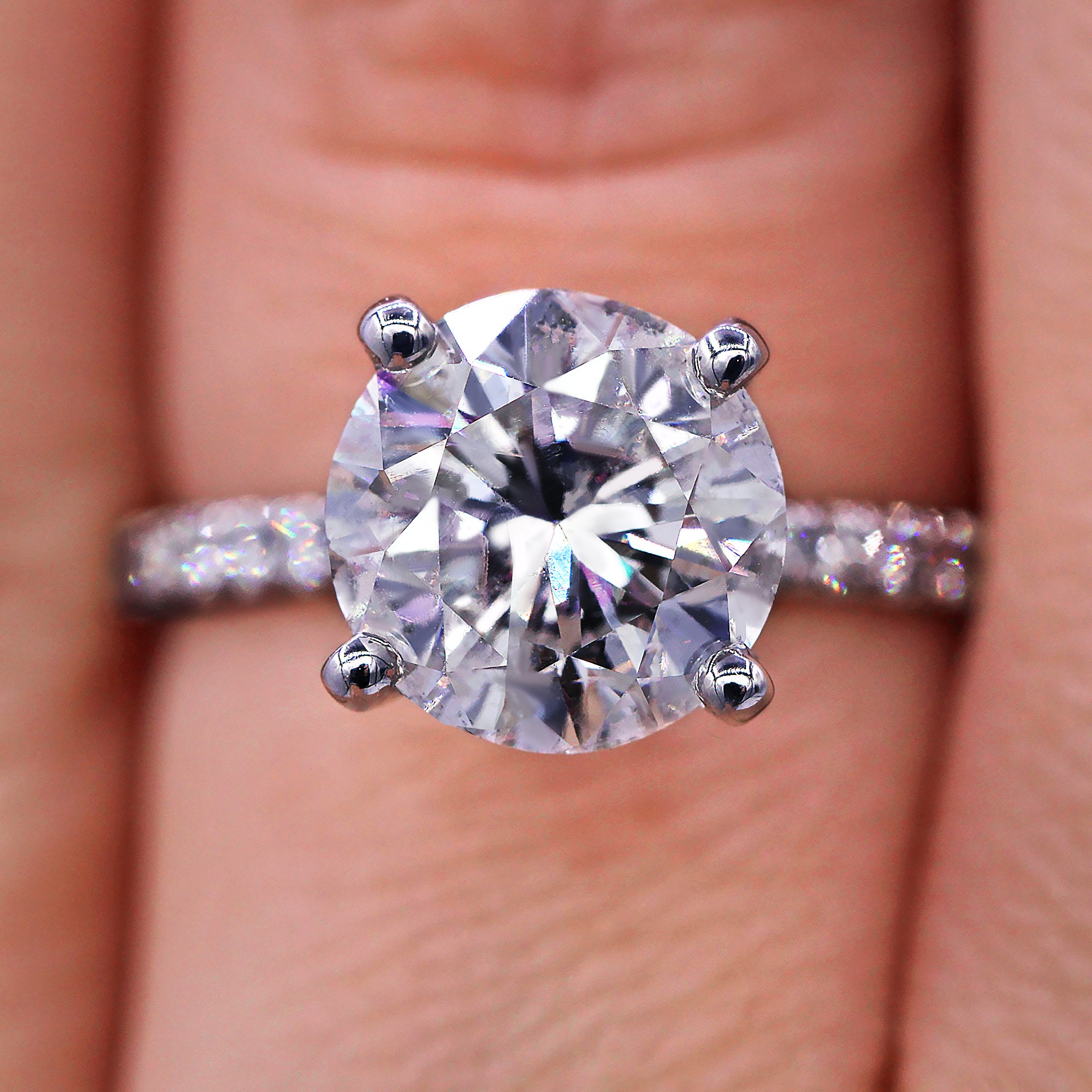 Magnificent 3.37 TCW diamond engagement ring