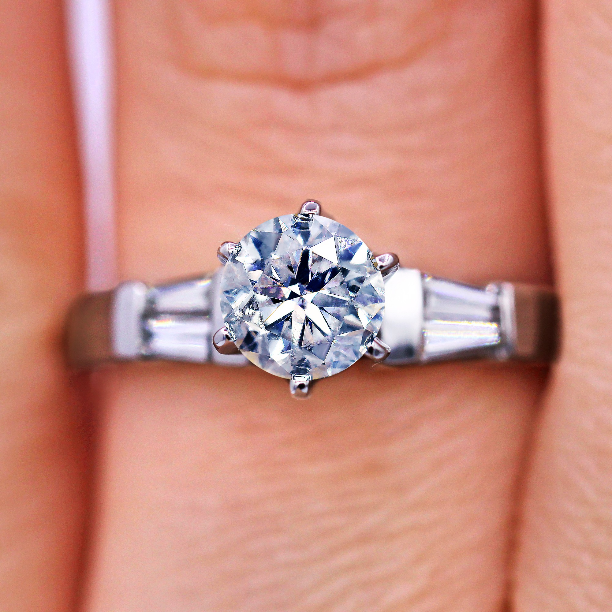 Unique Design 1.03 TCW Round Diamond Baguette Engagement Ring
