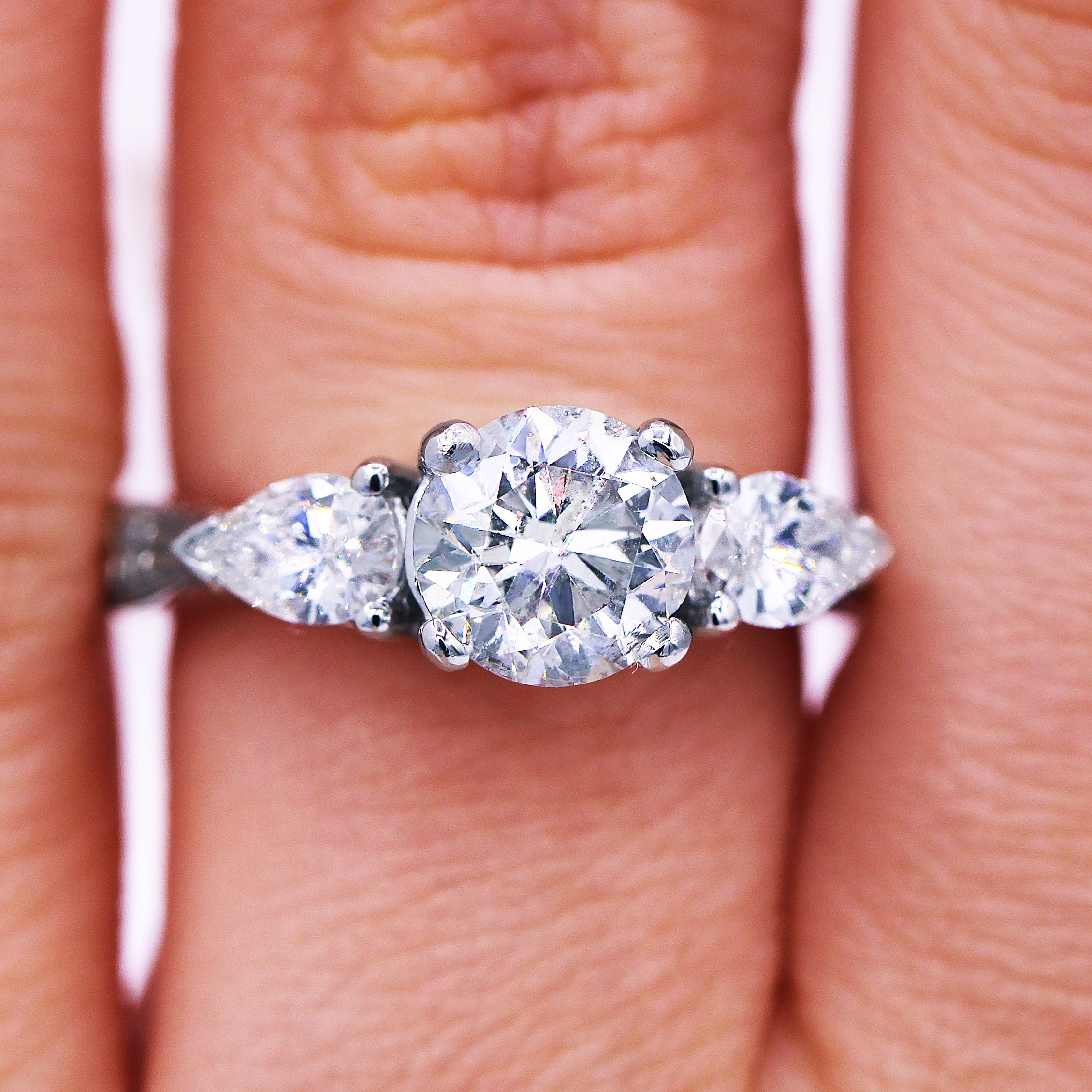 1.57 Ct Round Diamond Engagement Ring with Pear Shape Side Stones