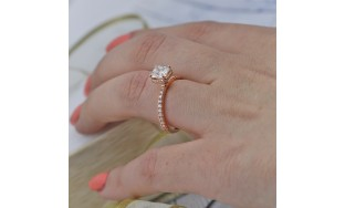 Engagement Ring with Center Cushion Cut 1.01ct Diamond