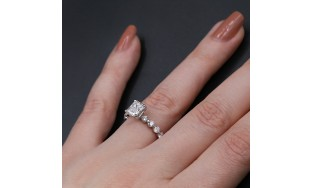 Engagement Ring with 3.00 ct of Total Diamond Weight
