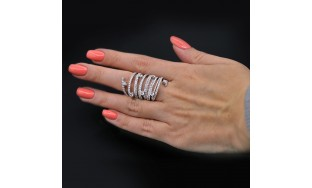 Fashion Ring with 3.72 ct of Total Diamond Weight VIDEO