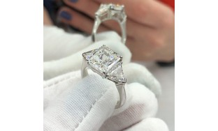 Video! Certified platinum engagement ring with 4.15 ct of TDW