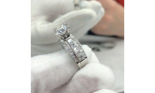 Video! Certified White Gold engagement ring with 4.00 ct of TDW