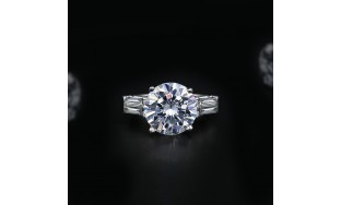 Fantastic Diamond Ring with 9.00 ct of Total Diamond Weight